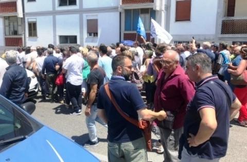 Manifestazione CSA davanti la sede INPS di Catanzaro